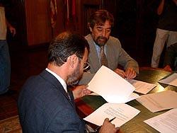 Instante de la firma del acuerdo