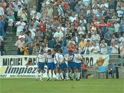 El equipo maño celebrando un gol