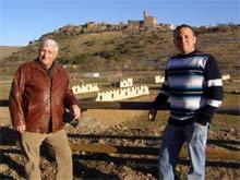 El alcalde de Alcalá junto a Javier Lahoz, responsable de  Moncayo Aventura