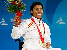Perales, en lo más alto del podium de los Paralímpicos de Pekín