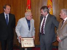 Ángel Anadón ha sido testigo excepcional del Principal durante 64 años.