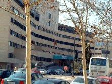 El herido fue trasladado por una UVI móvil del cuerpo de bomberos al Hospital Clínico