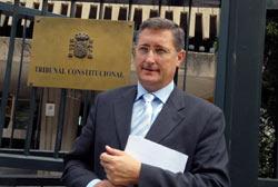 El senador por Teruel ha explicado que el procedimiento es largo