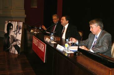 El encuentro tiene lugar en el paraninfo de la Universidad de Zaragoza