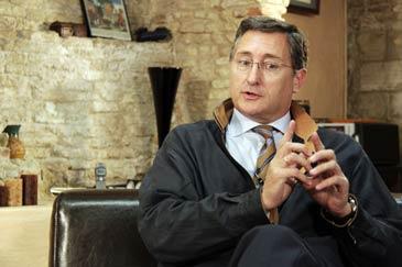 El senador de la coalición PP-PAR Manuel Blasco compaginará el cargo con la Alcaldía de Teruel
