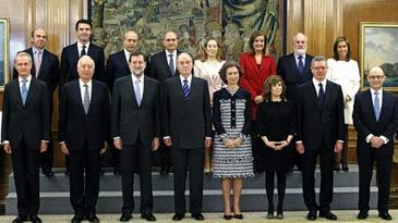 Cristóbal Montoro, Luis de Guindos y Fátima Báñez son los ministros del área económica