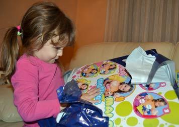 En algunas casas, Papá Noel se adelanta y reparte los regalos después de la cena