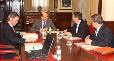 Imagen de la reunión del Consejo Rector del Consorcio del Aeródromo de Caudé