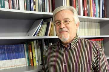 Joaquín Casanova es el presidente de la Asociación de Editores y Distribuidores de Fondos Propios de Aragón
