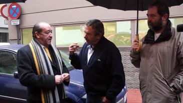 El hermano de la víctima habla con el abogado Javier Notivoli