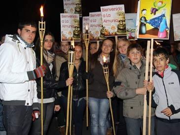 Decenas de jóvenes han recibido a la reliquia de San Juan Bosco
