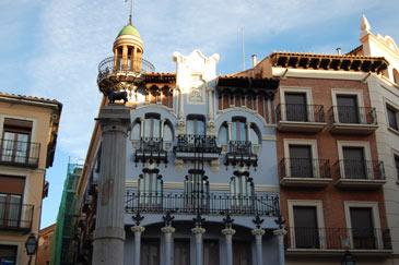 Imagen de la Casa del Torico, uno de los edificios modernistas de Teruel