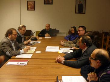 Los vecinos se han reunido con el diputado de La Izquierda de Aragón, Chesús Yuste