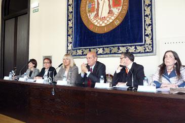 La UZ y el Colegio Juan de Lanuza han firmado este lunes un convenio