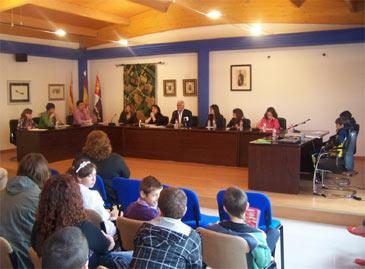 Imagen de la Primera Audiencia Infantil celebrada en el Ayuntamiento de La Puebla de Alfindén