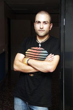 Diego Celma ha desarrollado anteriormente el mismo trabajo en la Embajada de España en Ecuador