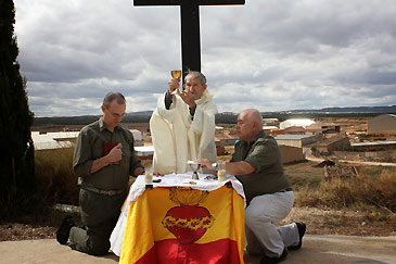 El concejal de Turismo informó al sacerdote de que no podían celebrarla en el pueblo viejo. Foto: Acción Juvenil Española