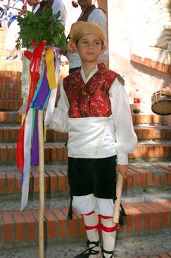 Joven danzante de Villamayor. Fotografía de Jesús Rubio (ATOAragón)