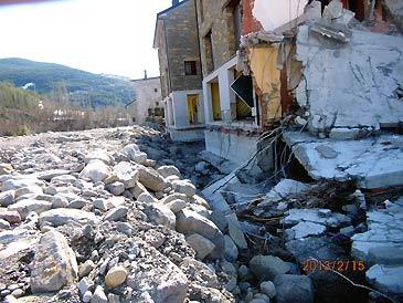 Una docena de viviendas resultaron muy dañadas por el desbordamiento