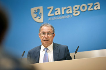 El vicealcalde de Zaragoza, Fernando Gimeno, en rueda de prensa