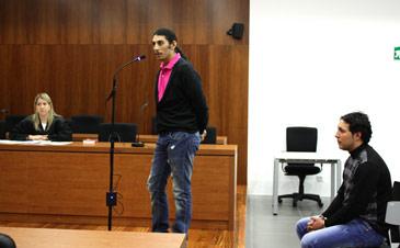 Los encausados han negado los hechos ante la mirada de su abogada defensora, Olga Oseira