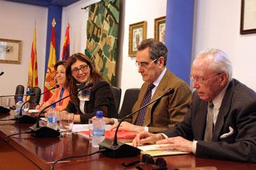 La conferencia se desarrolló en el Salón de Actos del Ayuntamiento de La Puebla de Alfindén