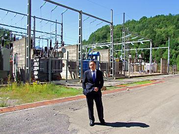 De Pedro en la central hidroeléctrica