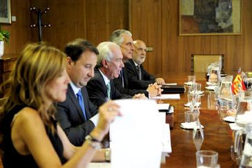 El consejero de Economía y Empleo, Francisco Bono, ha presidido la Comisión Mixta de Seguimiento del FITE 2013