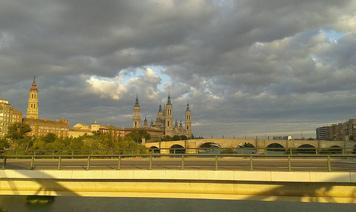El Ebro, a su paso por Zaragoza este martes