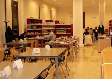 El Instituto Aragonés de la Juventud ha informado de la convocatoria de 76 becas FormARTE