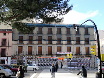 Imagen del edificio visto desde Paseo María Agustín