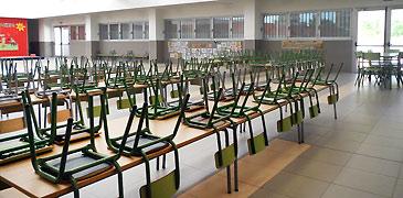 Los padres de alumnos critican que el aulario debería haber estado listo durante el curso 2012-2013