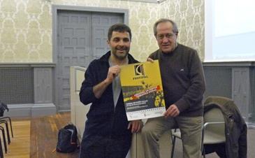 El presidente del Centro de Estudios de Bajo Martín junto con el presidente de la Comarca del Bajo Martín
