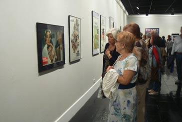 Una exposición sobre carteles de películas de Buñuel