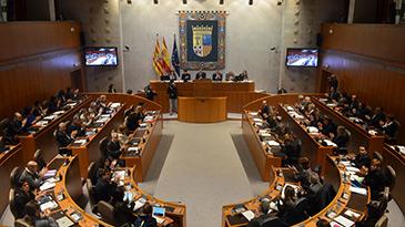 Las Cortes de Aragón han batido el récord de precocidad política con siete diputados menores de 32 años