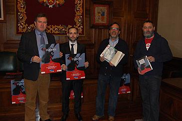 """Este martes se ha presentado la exposición """"Drácula"""" del ilustrador Fernando Vicente que se podrá ver en Teruel del 3 al 14 de marzo"""