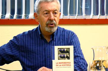 El escritor durante la presentación de Iberterra