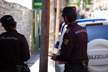 La vigilante de seguridad, que sufrió heridas graves, fue ingresada en un centro hospitalario de Zaragoza