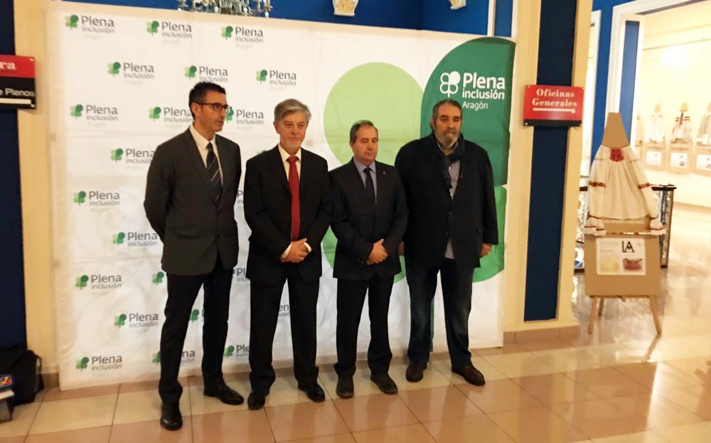 El alcalde de Zaragoza, Pedro Santisteve, ha inaugurado las jornadas sobre inclusión social