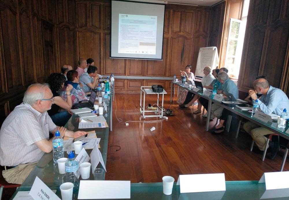 El director general de Política Lingüística, José Ignacio López Susín, ha participado en esta reunión
