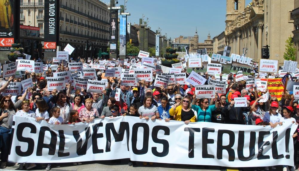 """La plataforma """"Teruel Existe"""", en una de sus manifestaciones"""