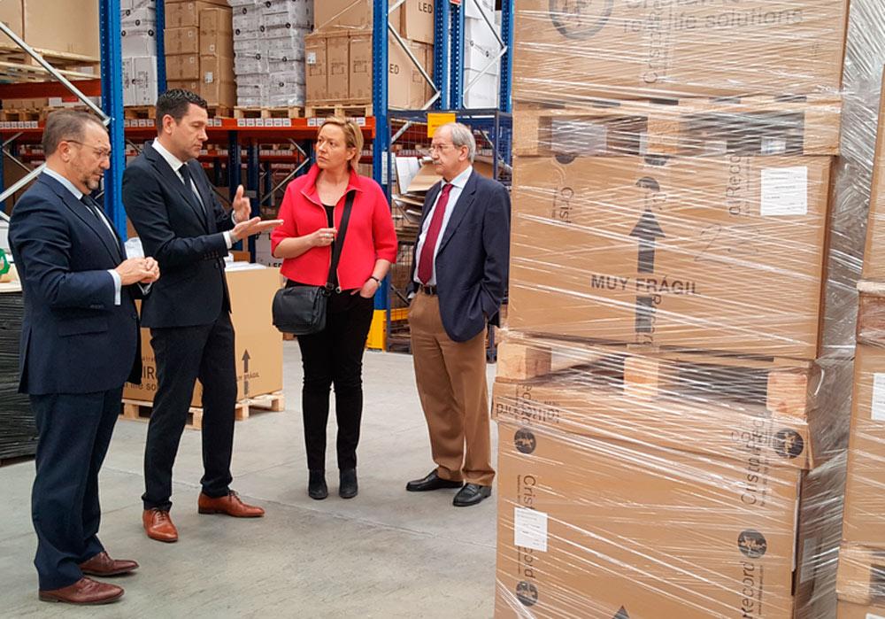 Gastón, durante su visita a las nuevas instalaciones de Decoexsa en Plaza