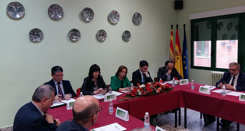La consejera Mayte Pérez, Ricardo Almalé y Ana Vázquez presiden en Teruel el Consejo Aragonés de FP