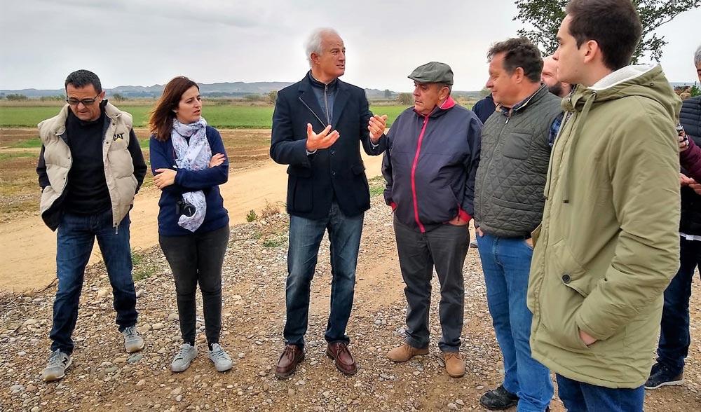 Suárez ha visitado las localidades de Pina de Ebro y Fuentes de Ebro