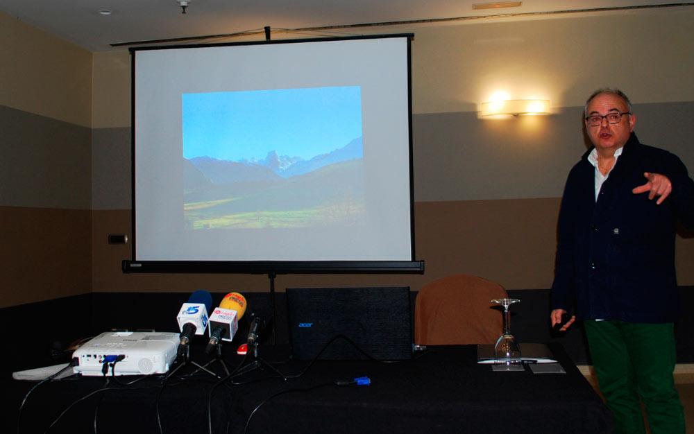 El gerente de Turismo de la Comarca de Avilés, José Antonio Álvarez, visitó  Zaragoza en 2018 con motivo de su presencia en Aratur