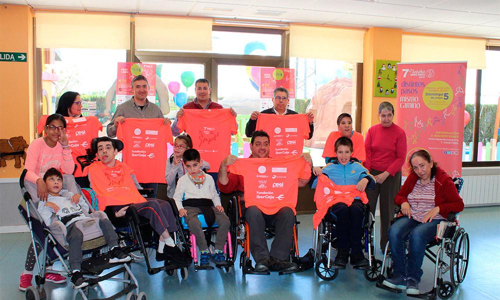 El color y el lema de la camiseta han sido elegidos por las personas usuarias de los servicios de Aspace