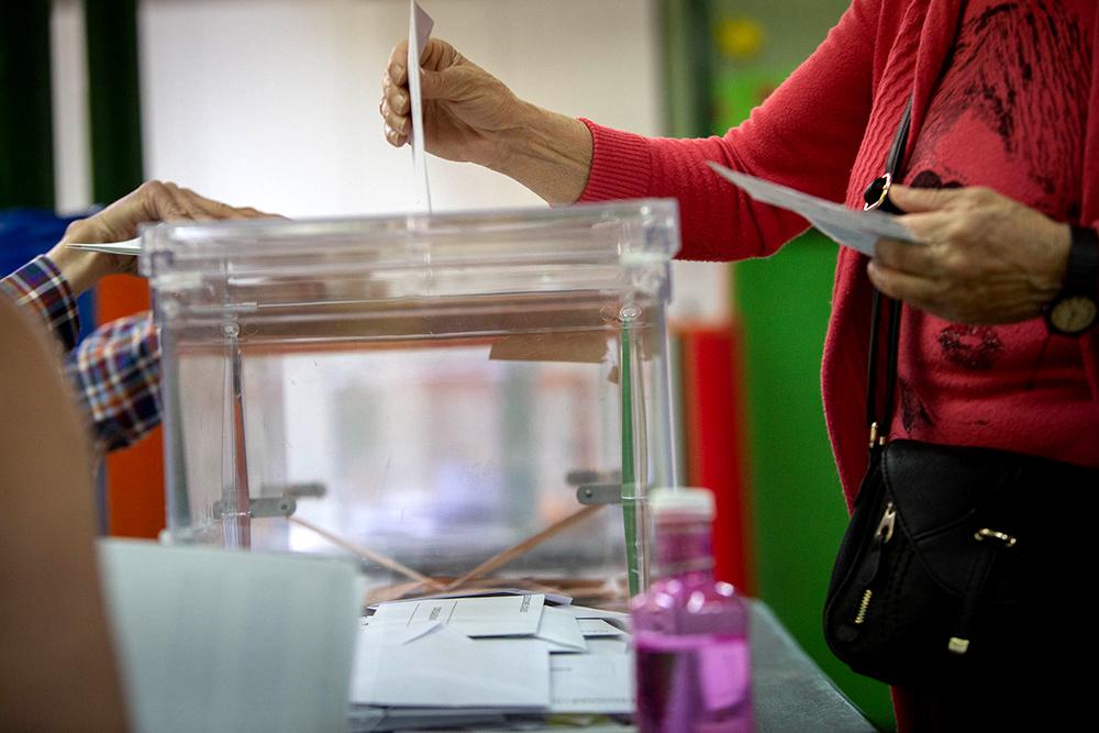 En total, cinco partidos se han repartido los trece escaños de Aragón