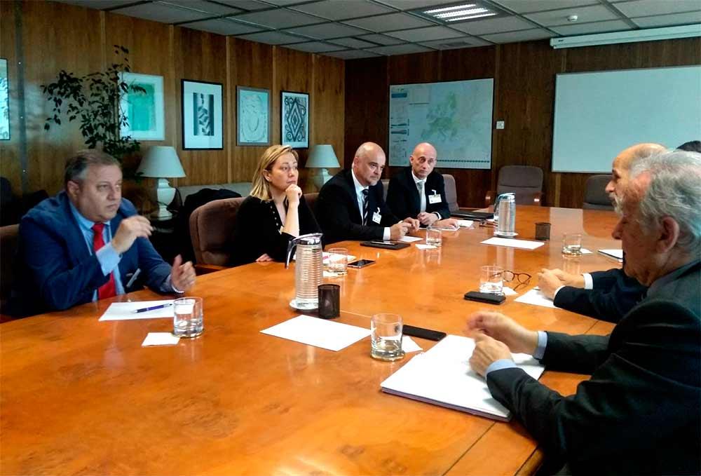 La consejera de Economía, Industria y Empleo, Marta Gastón, se ha reunido con el secretario de Estado de Energía, José Domínguez Abascal